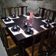 商用主题餐厅火烧石电磁炉火锅桌沙发卡座烧烤一体煤气灶火锅桌